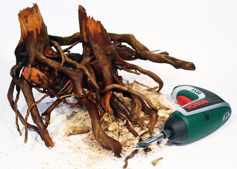 Wurzeln können mit Bohrer und Schrauben angepasst werden